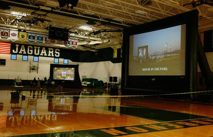 Indoor Movies 1 000 Attendees Funflicks Outdoor Movies